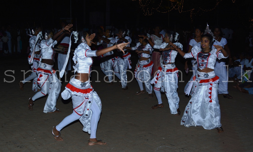16_Dancing_Item_9