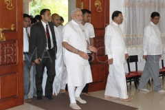 01_Indian_PM_Modi_arriving_at_the_Mahaviharaya_with_the_President_of_Sri_Lanka